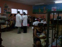 Ingresan 74 niños en últimas horas con síntomas de dengue en hospital infantil de Santiago - Cachicha.com