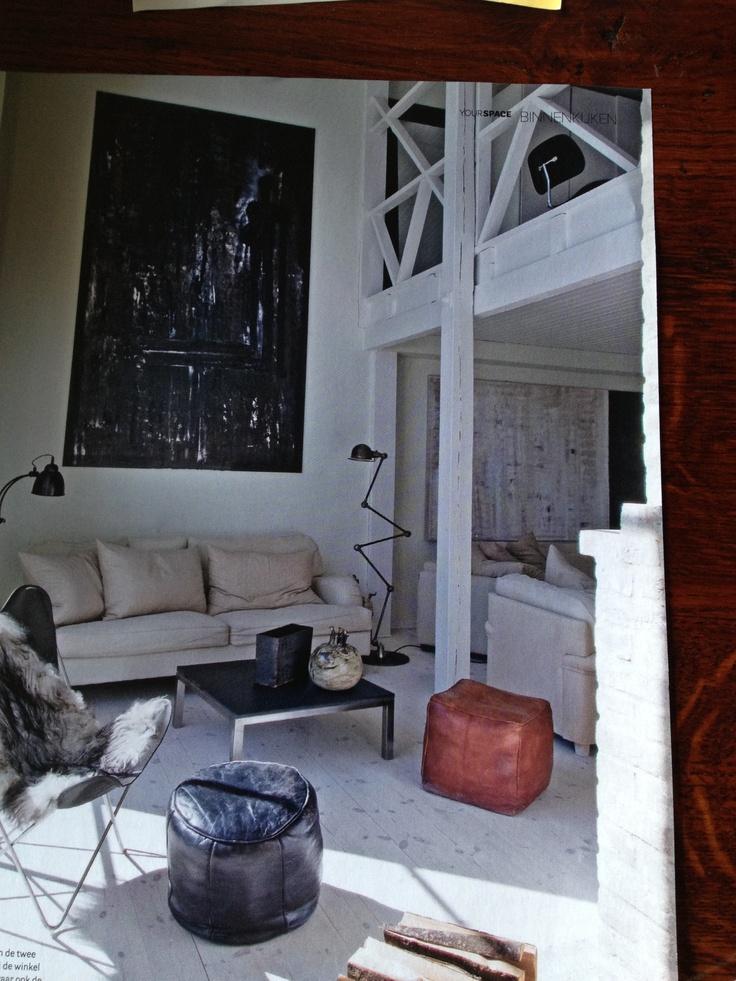 wit geschilderde houten balken