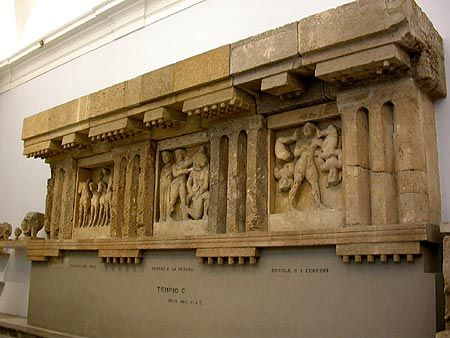 Metopes And Trigliefen From Selinunte