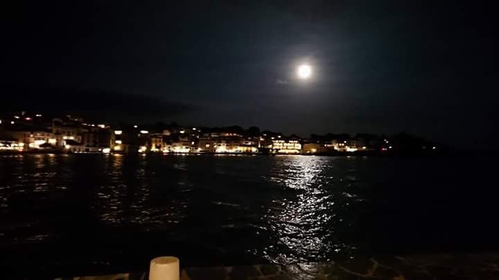 Lluna Plena a Cadaqués.  3 de novembre 2017.