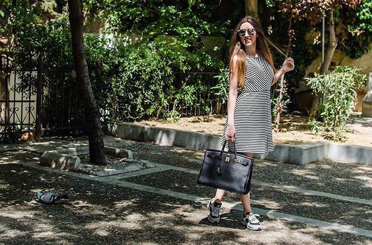 Saturday walk  tap for details #lovefashiongr #fashionblog #fashionblogger #greekbloggers #alexiaboutique #jessicasimpson #regaliscollection #regaliscollection #hermes #chanelsneakers