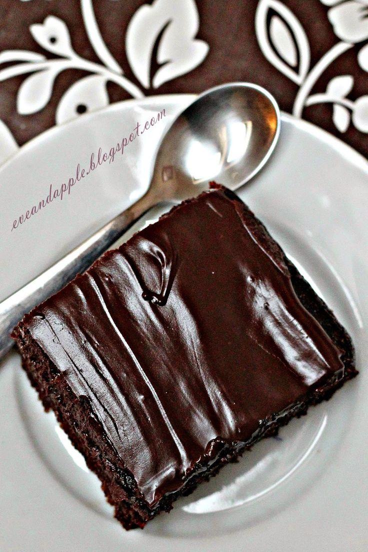 3 tojás 5 ek cukor 2ek gríz 3 ek holland kakaópor 9 ek tej 6 ek liszt 1 sütőpor Öntet: 5 dl tej 7 ek cukor Csokimáz: ...