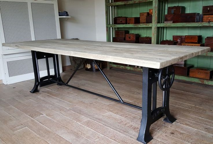 Industrial table, with cast iron machine base