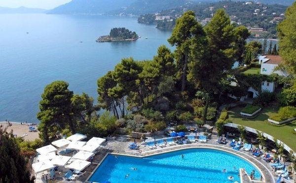 Wer will Sonne, Meer, Pool und so eine Aussicht?  4* Corfu Holiday Palace: 1 Woche mit Flug/Frühstück ab 569 € http://www.lastminute.de/reisen/3483-12362-hotel-corfu-holiday-palace-kanoni/?lmextid=a1618_180_e30