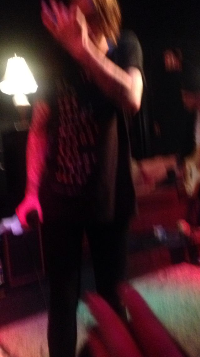 THIS IS SOOOOOOO BLURRY!!!!!!!! but this is how close I was!! I am really sorry posting a lot of pics
