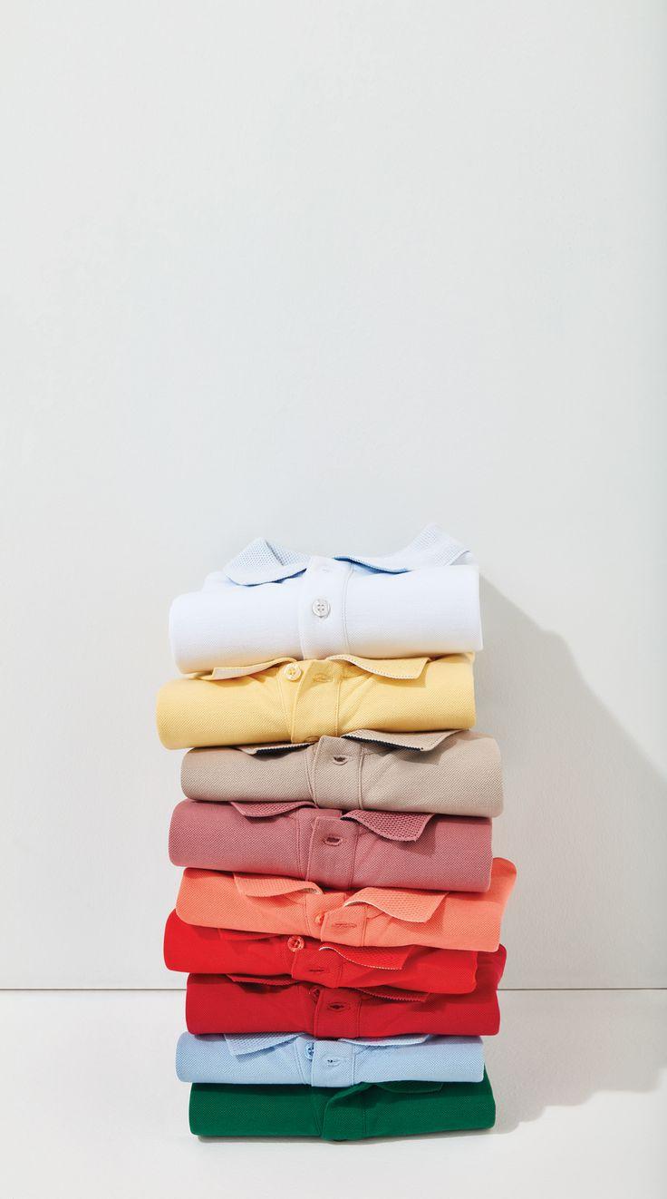 Sezonun öne çıkan parçaları trend detaylarla güncelleniyor. Petek yakalı polo tişörtler, geniş renk skalasıyla seyahatlarinize eşlik etsin.
