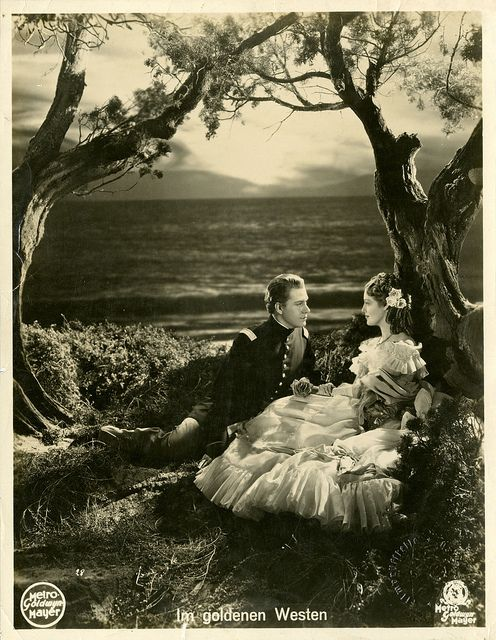 Portrait of Jeanette MacDonald and Nelson Eddy  ....love those old movies!