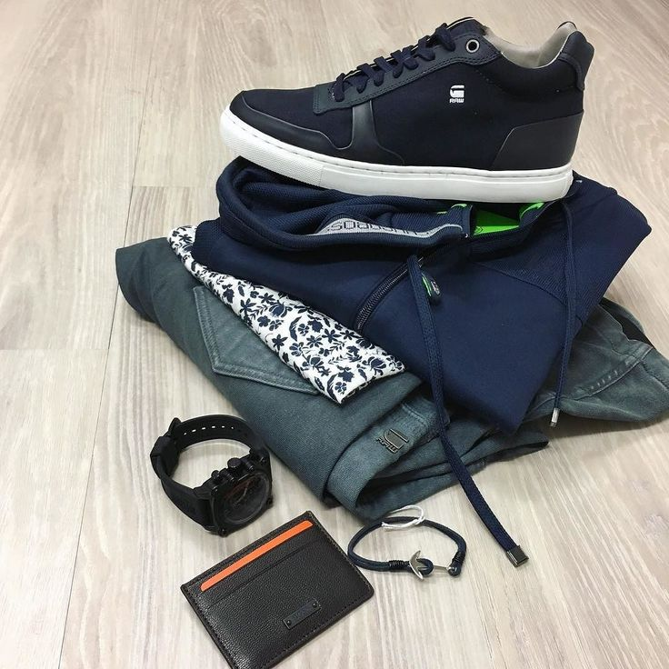 A closer look at the details // Hugo Boss Green label hoodie NEW G-Star Powel #d shaped jeans NEW G-Star mid boot Politix tee (on sale) Offshore watch NEW Hugo Boss Orange label card wallet leather cuff. @gstarraw @politixmenswear @hugoboss