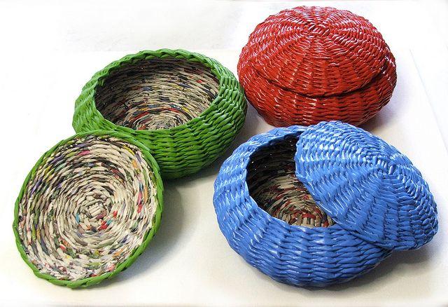 newspaper baskets in paint_koszyki z gazet pomalowane farbą by makkireQu, via Flickr