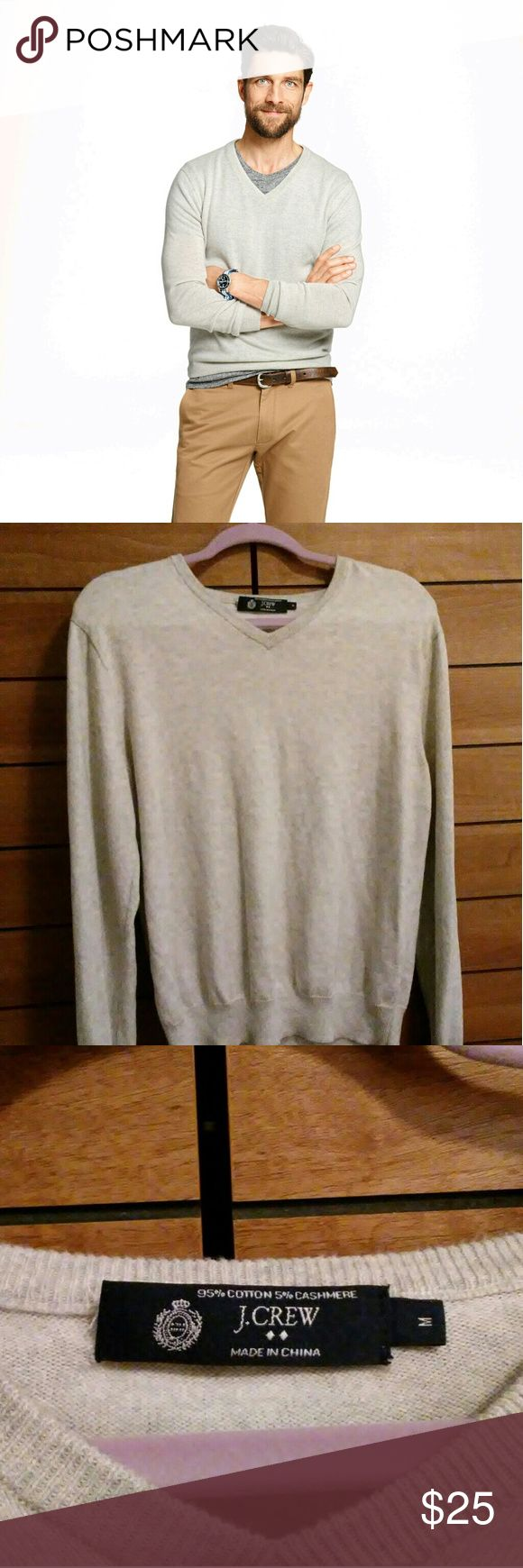 J. Crew Men's V Neck Sweater Excellent condition J. Crew Men's sweater.  95% cotton with 5% cashmere gives it a soft touch.   No stains, holes or pilling. J. Crew Sweaters V-Neck