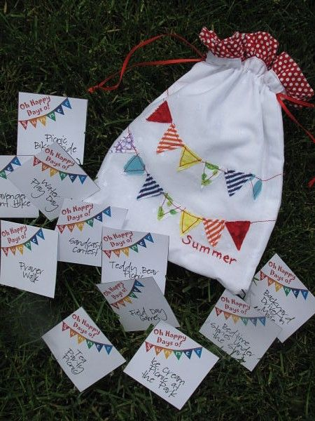 """Happy Days of Summer"" bag with free printable cards: write down one special event/outing for each week of the summer for kids to look forward to"