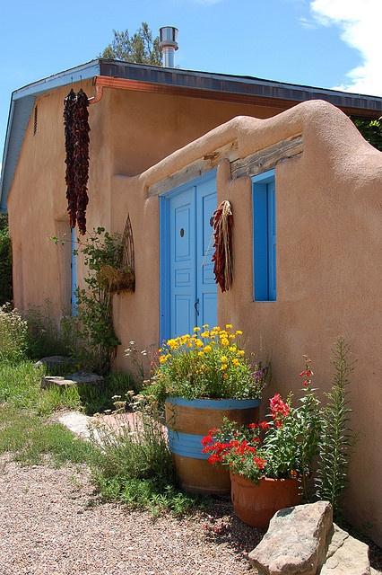 Spanish style spanish style homes pinterest adobe for Colores para casas por fuera