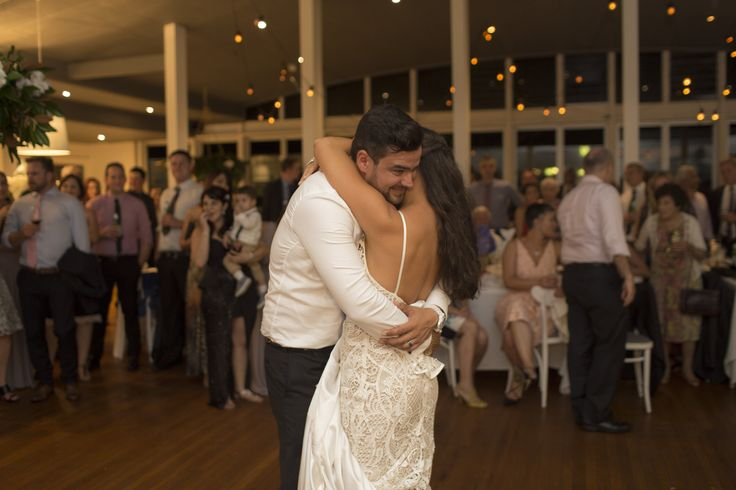 Nicoletta + Nektarios | Real Wedding at Moby Dicks Whale Beach | Photography by Story of  Us