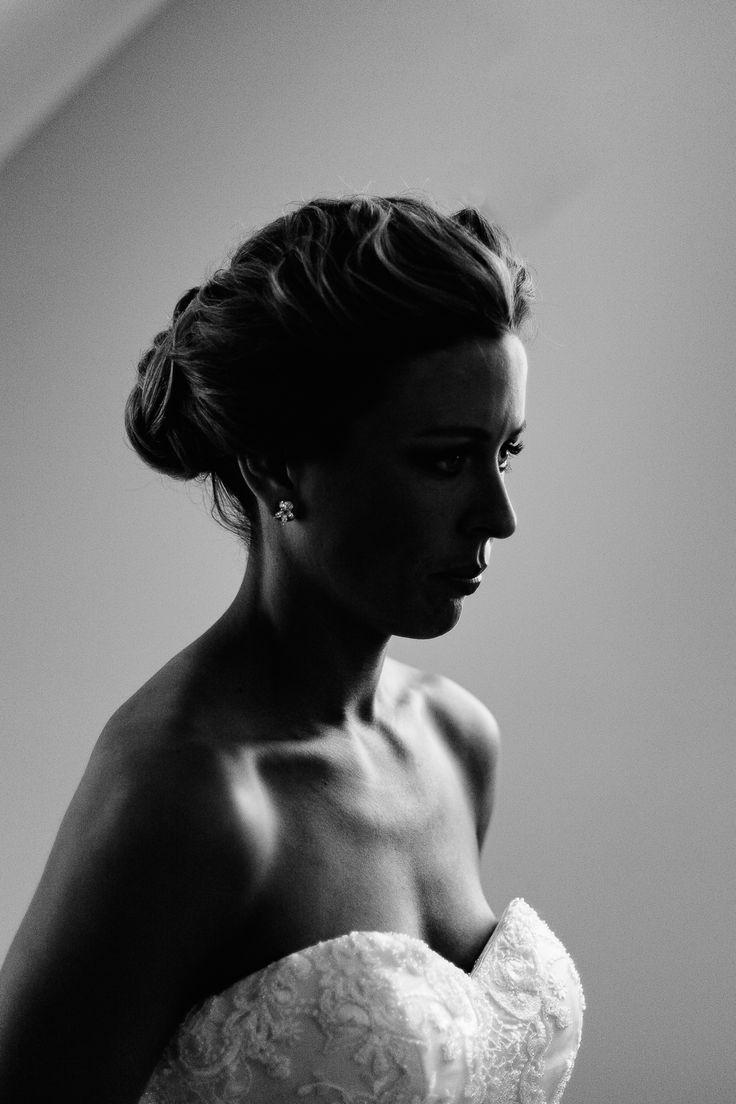 Pretty Flamingo Photography. Elegant Ballarat Wedding. Beautiful bridal portraits