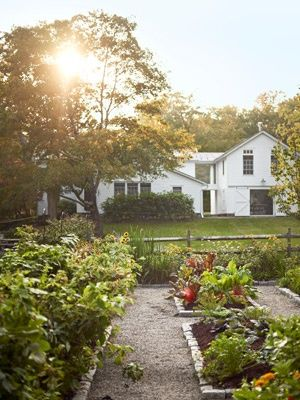 white house outside of town: Dream House, Outdoor, Country Living, Gardens, Farmhouse, Kitchen Garden, Vegetable Garden