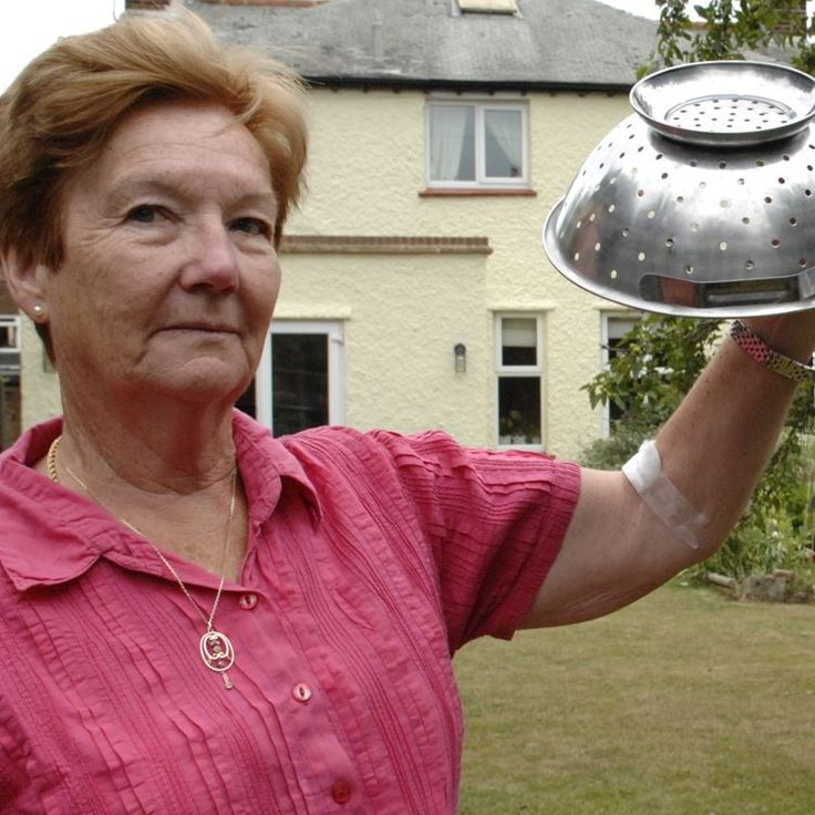 A Herne Bay grandmother has been forced to wear a colander on her head as a makeshift helmet to protect her from dive-bombing seagulls in her own garden. Yowsa!