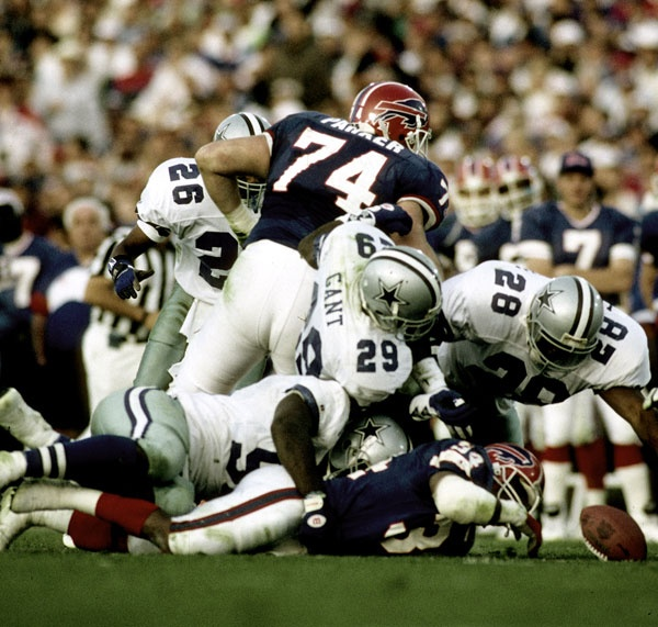 Darren Woodson and the rest of the defense during Super Bowl XXVII