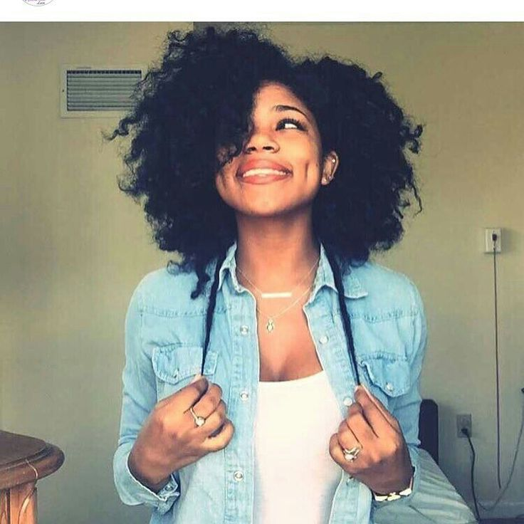 This dimpled beauty is featured on a 'sista's hair' blog. Find your hair crush on their Tumbler page.