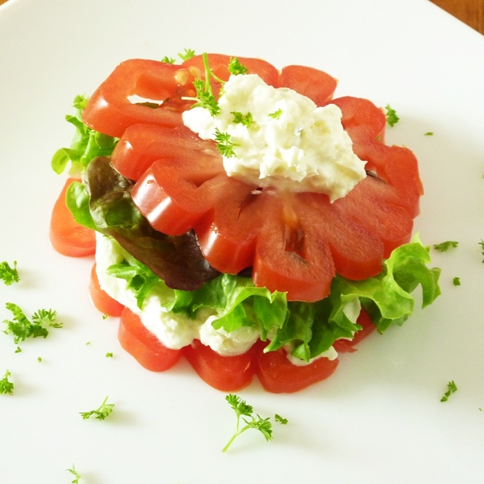 """absolutely beautiful tomato """"sandwich"""" for summer bounty!"""