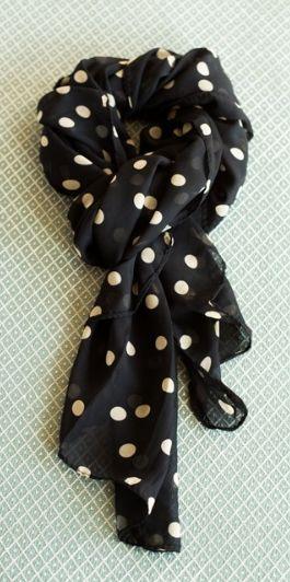 darling polka dot scarf  http://rstyle.me/n/n8jvnpdpe