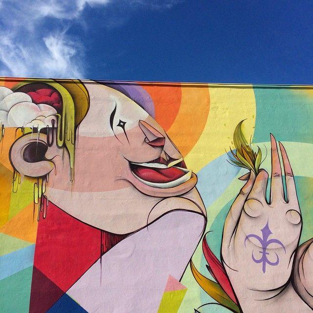 Good morning my flowers___  Detail of the project liveoutside2015 São Paulo to @jansport -  #nove #digitalorganico #rua #mural #saopaulo #brasil #acrilicototal #tintascoral #picoftheday #streetart  #artederua #flowerlis #flowers
