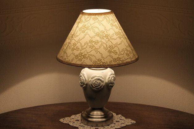 Diese elegante und hochwertige  Tischlampe steht für echtes Stilbewusstsein. Größe: Schirm Ø ca.35cm Höhe ca.60cm