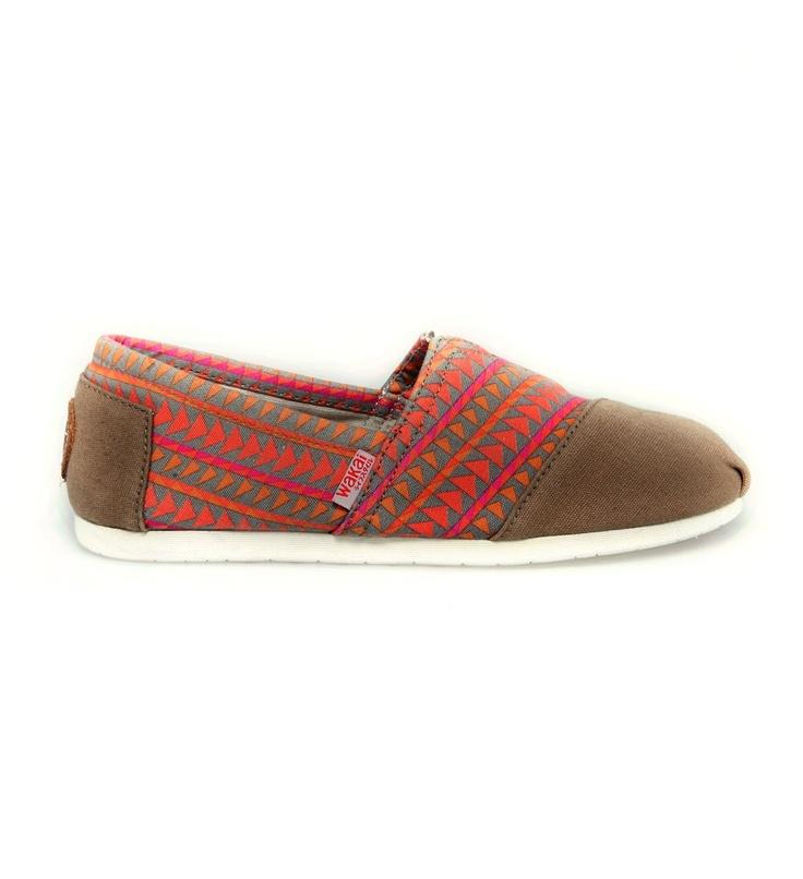me want wakai shoes!