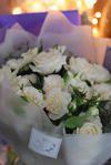 パドドゥの白いバラのブーケ