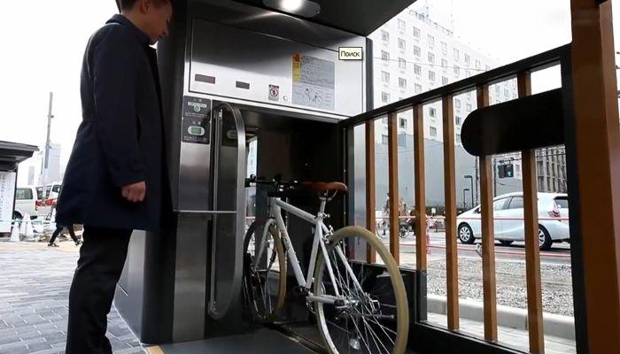 Japonların Bisiklet park yerleri. Hemen hemen herkesin bisiklet kullandığı japonya...