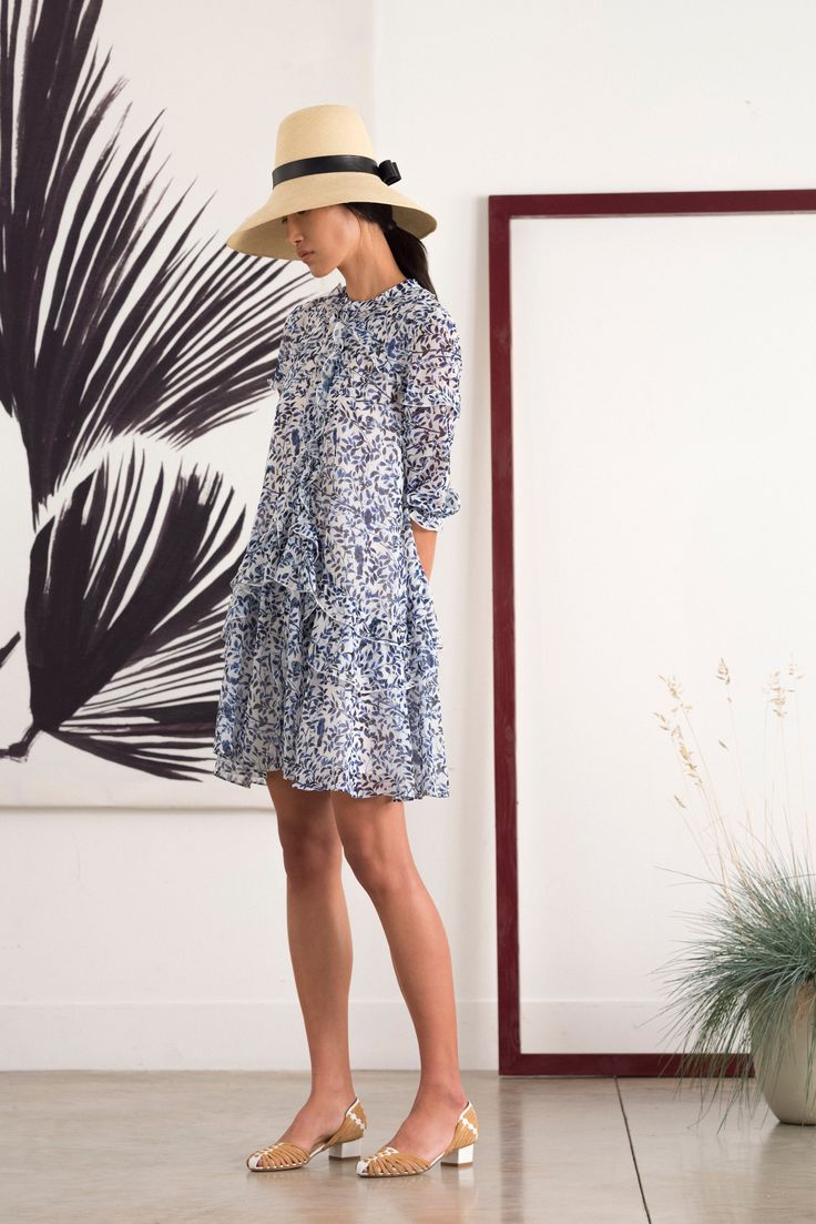 http://www.vogue.com/fashion-shows/spring-2016-ready-to-wear/saloni/slideshow/collection