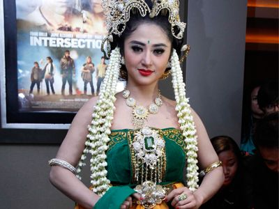 Exotic Clasic Traditional Javanese Style - #Beautiful #Traditional #Indonesian #Culture #womenfashion