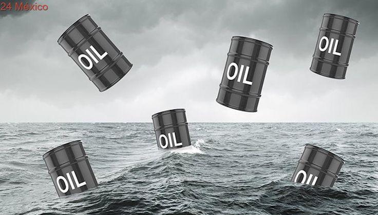 Pemex suspende cargamentos de petróleo por el paso de Harvey