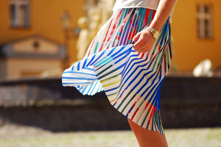 pleated-skirt-street-style #pleatedskirt #skirt #pleated #colorfull