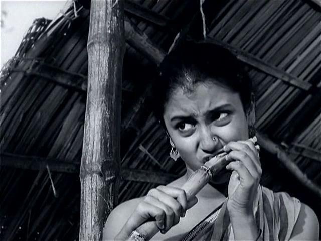 Samapti -1961 [The Conclusion (Teen Kanya)] -