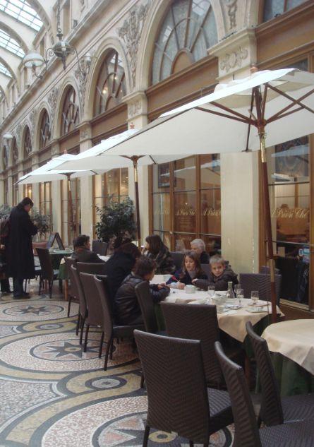 A Priori Thé : salon de thé au passage couvert Vivienne 35-37, Passage Vivienne – Galerie Vivienne – 75002 Paris