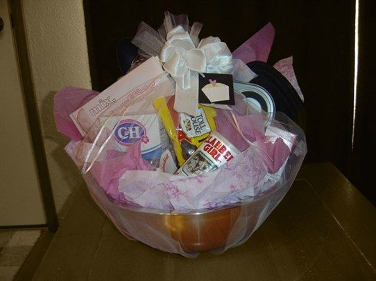 Bridal Shower Gift Basket Ideas For Bride : ... shower gifts on Pinterest Photo wedding gifts, Wedding gift baskets