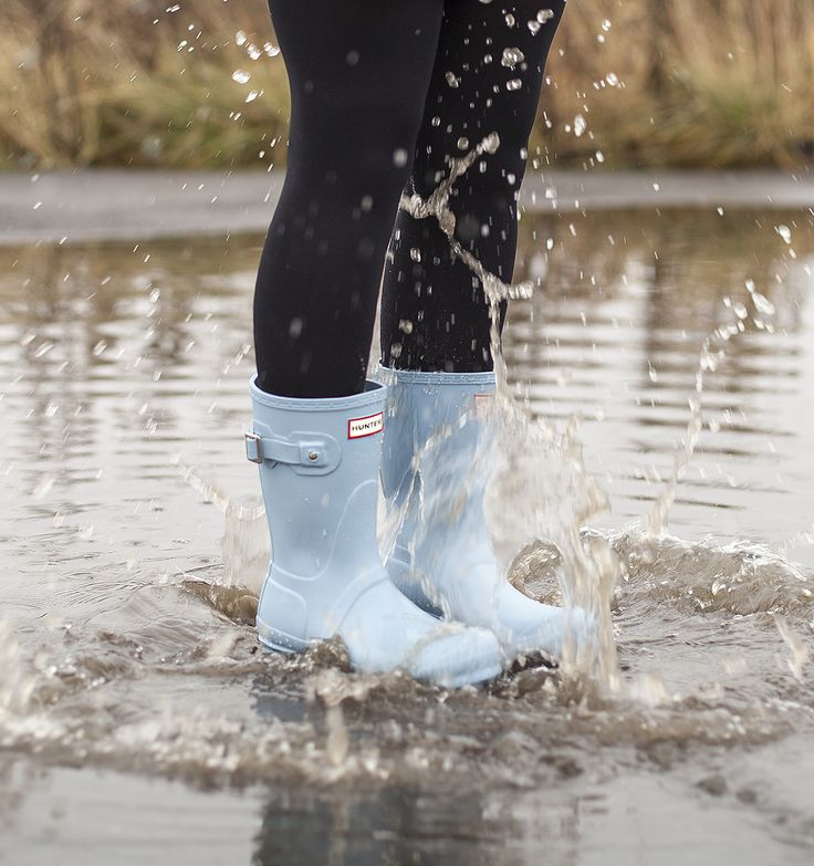 Make a splash in these Hunter Original short Boots.
