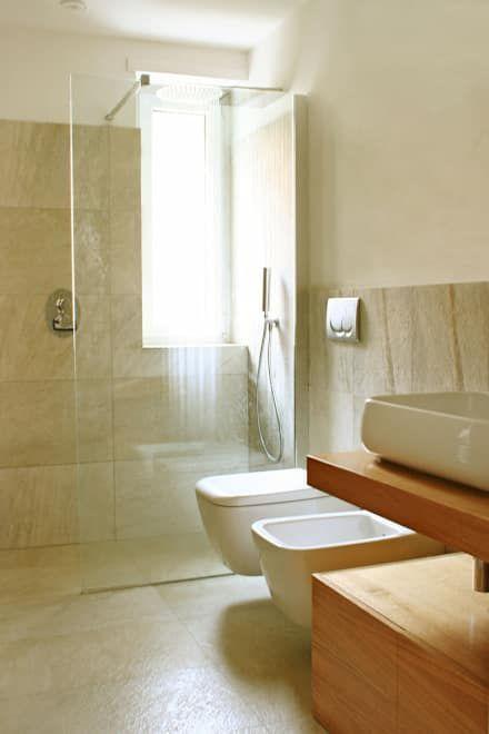 casa LM: Bagno in stile in stile Moderno di CAFElab studio