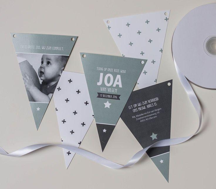 Geboortekaartje vlaggetjes Joa - Ontwerp Marjolein Vormgeving #geboortekaartje #geboorte #vlaggetjes #slinger #vlaggenlijn #geboorteslinger #babyboy #newborn #kaartjes #geboortekaartjes #ontwerp #persoonlijk #opmaat #grijs #earlydew #groen
