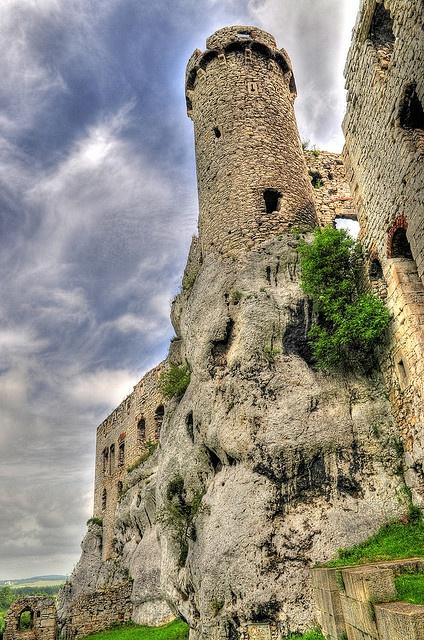 Castle Ogrodzieniec, Poland