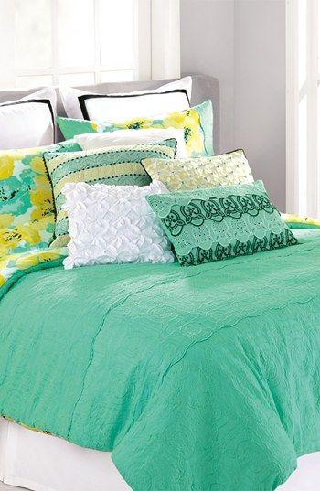 Crisp green bedding for spring.
