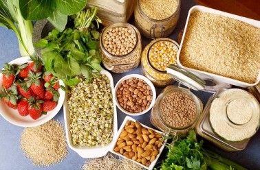 Aliments riches en protéines : contrairement aux croyances populaires, la viande n'est pas la seule à faire partie des aliments riches en protéines, loin s'en faut! Bon nombre de végétaux contiennent plus de protéines qu'un morceau de «steak». Donc si par conviction, par goût, pou…