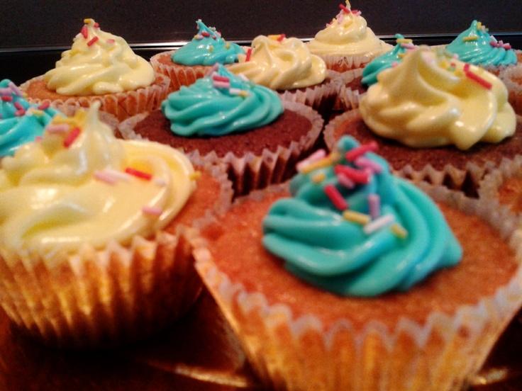 Experimentando con cupcakes...