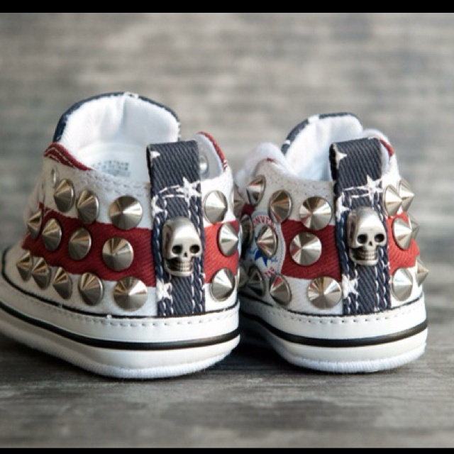All Star Converse customised with studs and skulls, only available at www.muffinonline.it . Handmade with love.