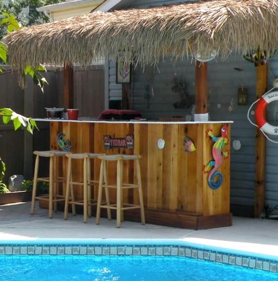 Outdoor Kitchen Tiki Bar