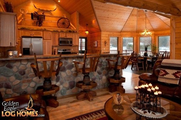 Exterior: Kitchen And Dining Area In The Golden Eagle's North