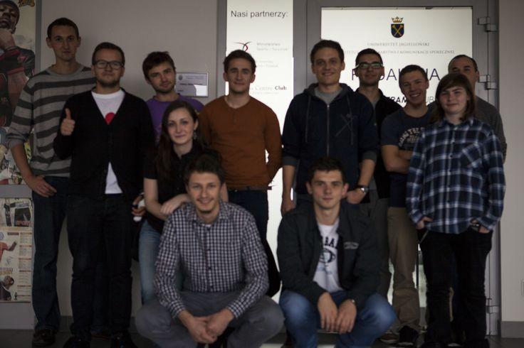 Drzwi naszej redakcji w budynku Uniwersytetu Jagiellońskiego są dla Was otwarte!