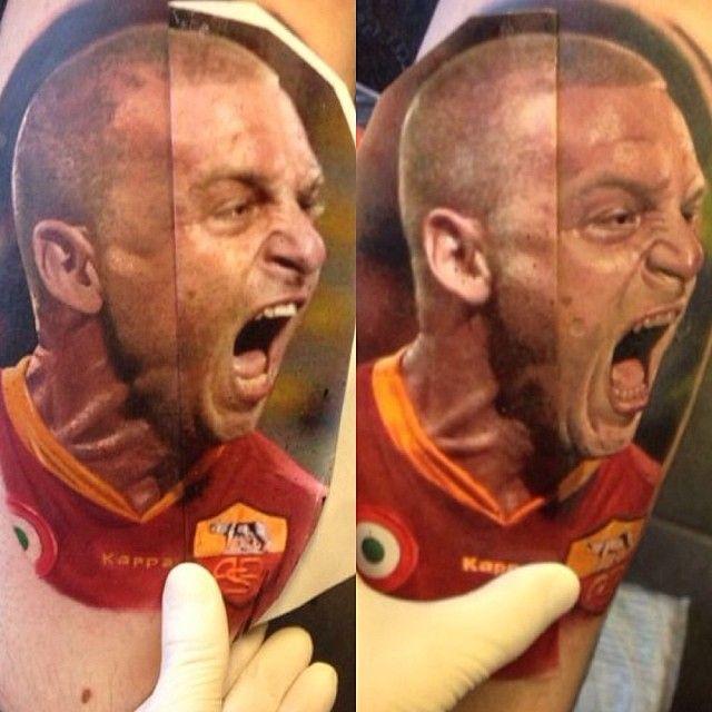 Estremamente A tattoo portrait of Daniele de Rossi by artist Alex de Pase  HK19