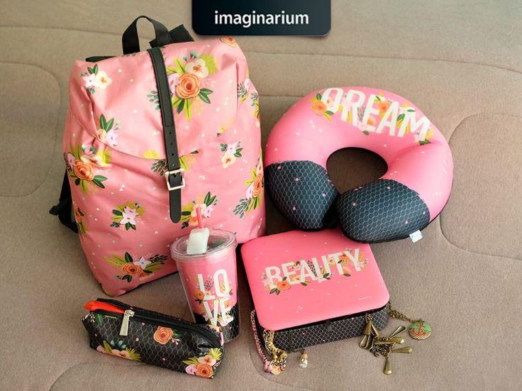 Se o mundo não é cor-de-rosa e todo florido o ano inteiro, pelo menos o seu dia a dia vai poder ser com a coleção Pink Flores. <3  Espia: http://goo.gl/0SZ500