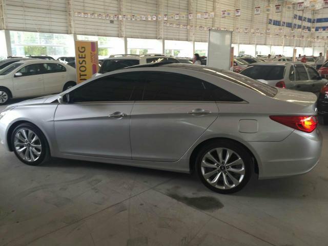 Hyundai Sonata - 2012